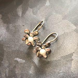 Silpada dainty pearl flower earrings